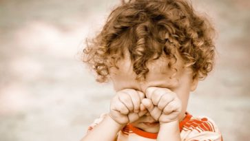 photo-de-une-enfant-pleurs
